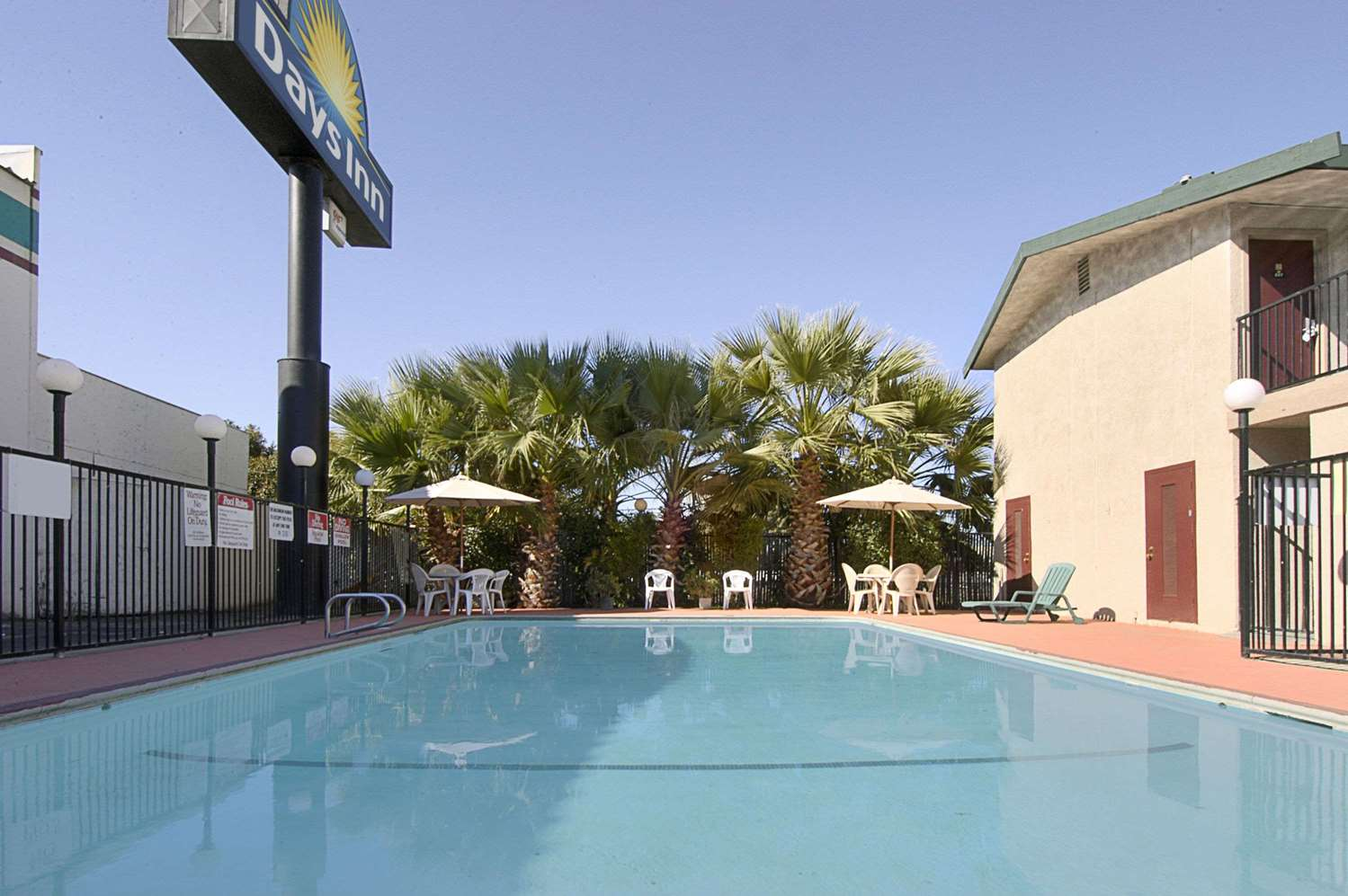 Pool - Days Inn Yuba City