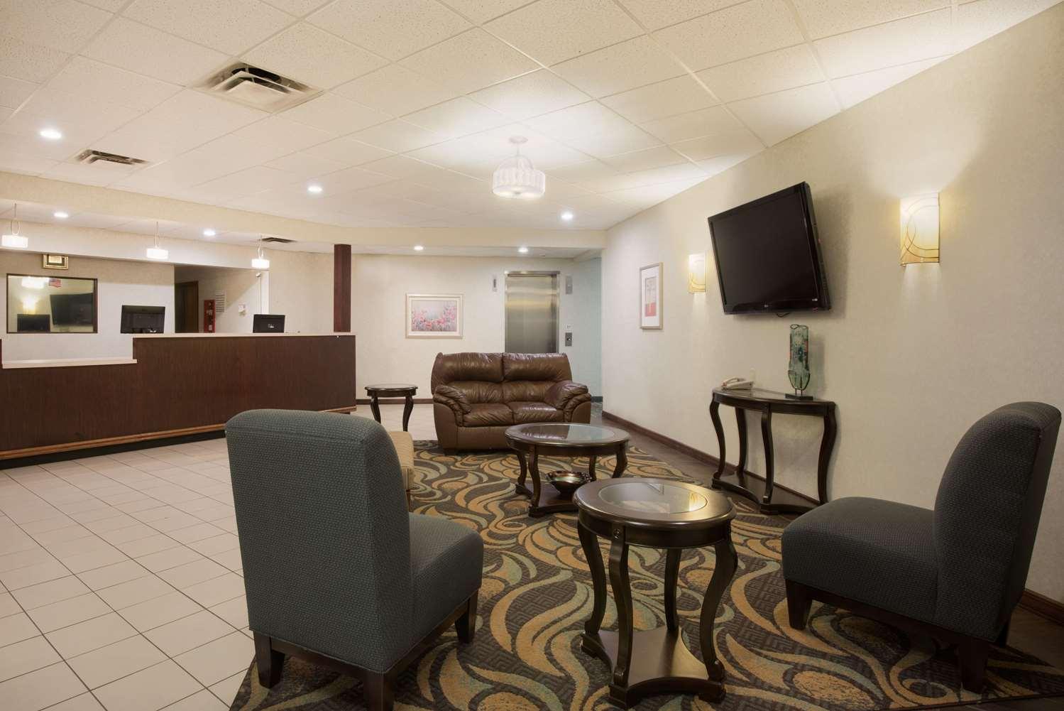 Lobby - Super 8 Hotel Grove City