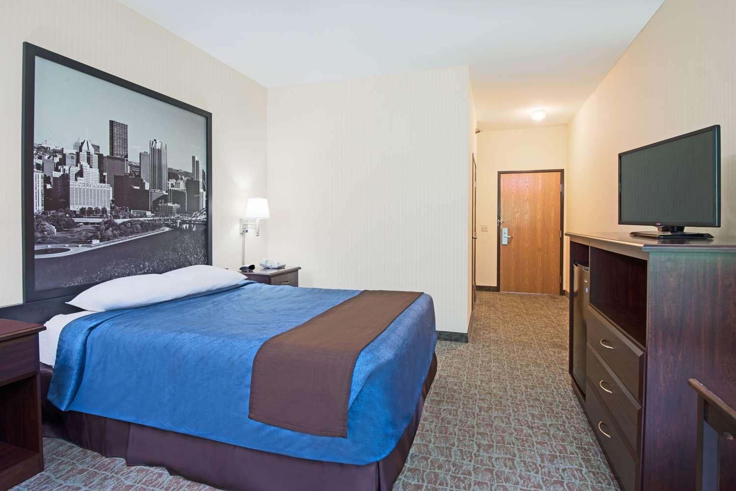 Room - Super 8 Hotel Grove City