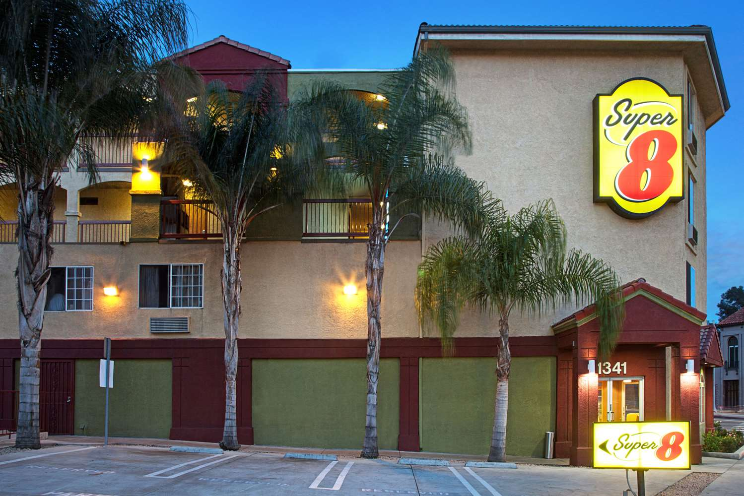 Exterior view - Super 8 Hotel Downtown Los Angeles