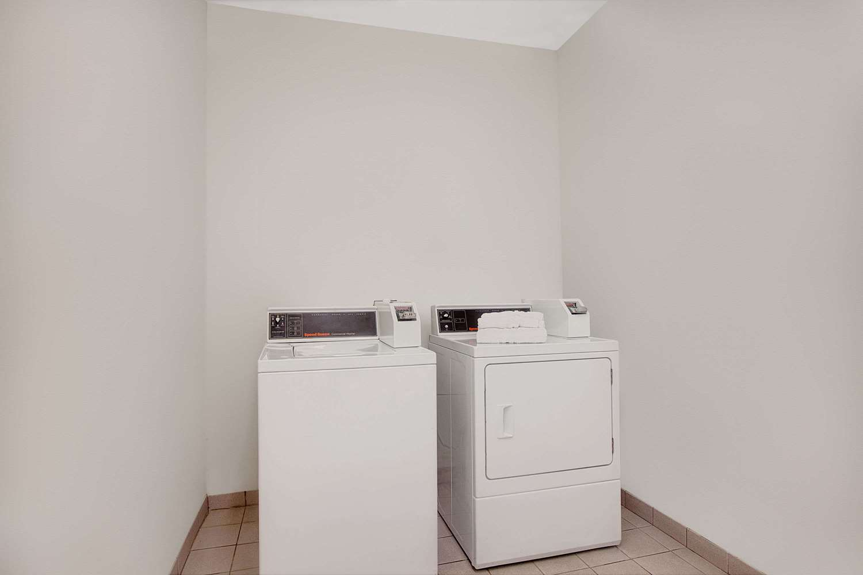 proam - Days Inn & Suites North Houston