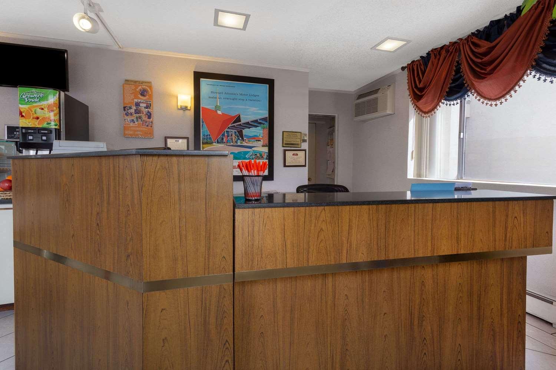 Lobby - Howard Johnson Express Inn South Colorado Springs