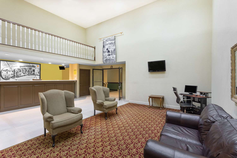 Lobby - Super 8 Hotel Dawsonville