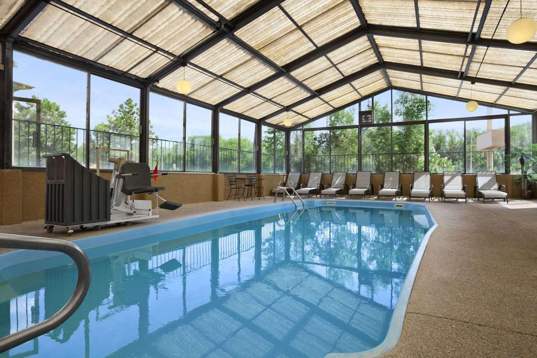 Pool - Travelodge Colorado Springs