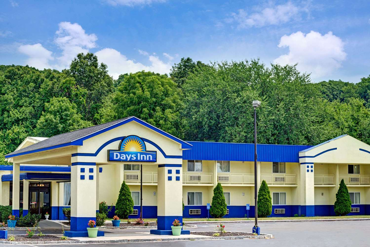 Exterior view - Days Inn Southington