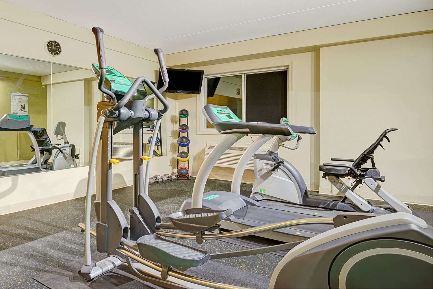 Fitness/ Exercise Room - Days Inn Southington