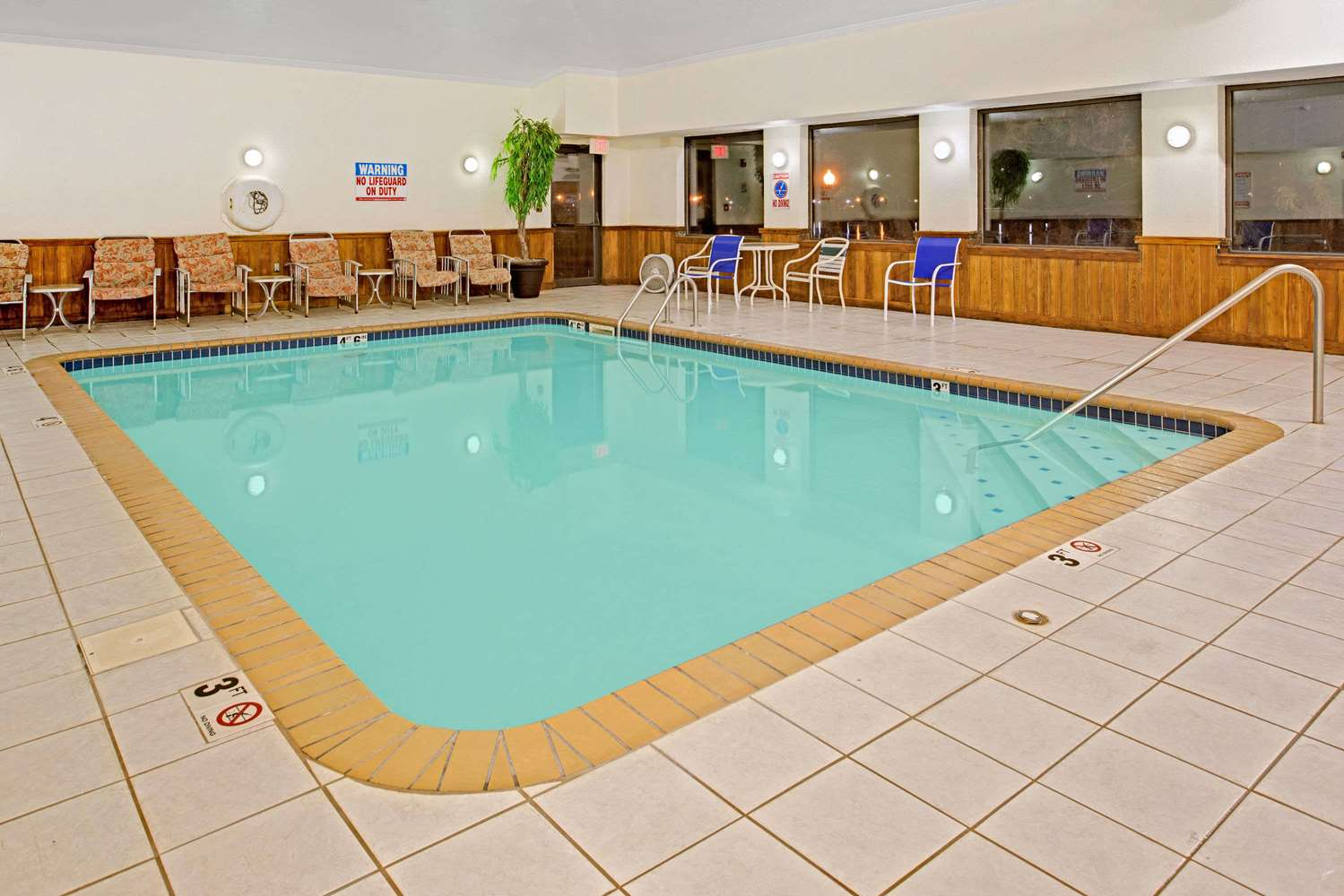 Pool - Super 8 Hotel Carter Lake