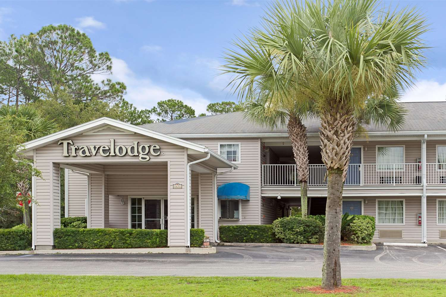 Exterior view - Travelodge Hotel & Suites Macclenny