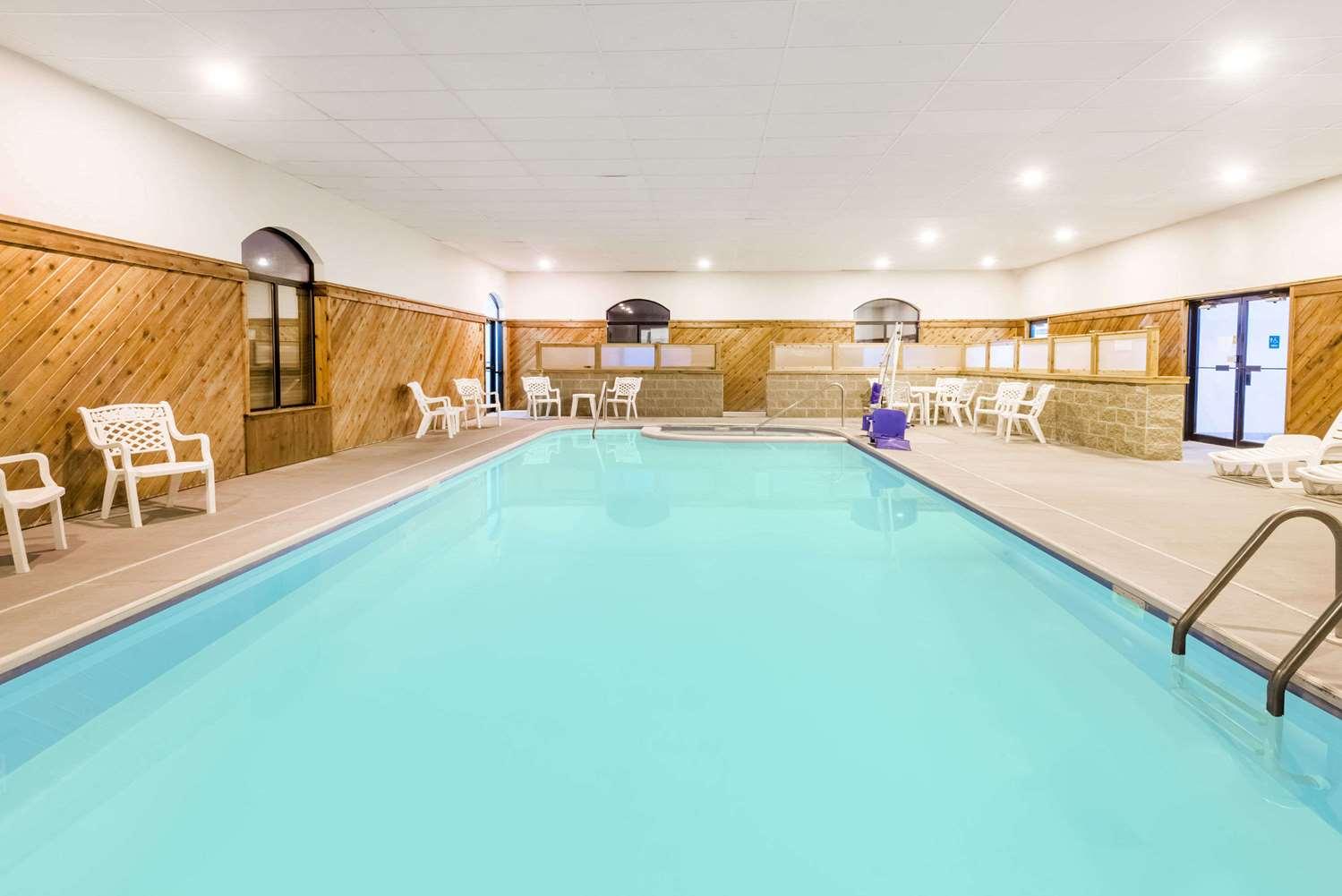 Pool - Ramada Limited Hotel Strasburg