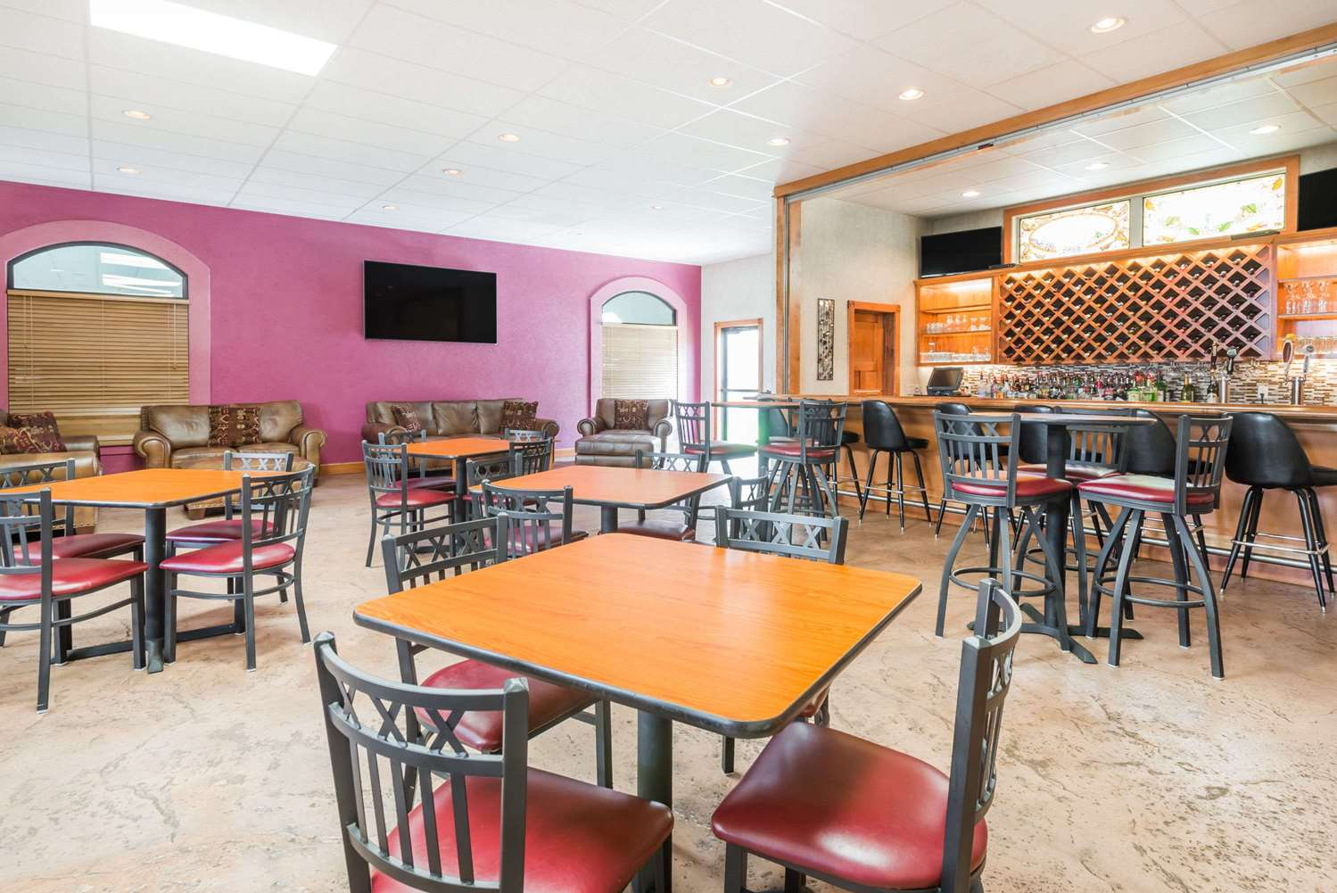 Restaurant - Ramada Limited Hotel Strasburg