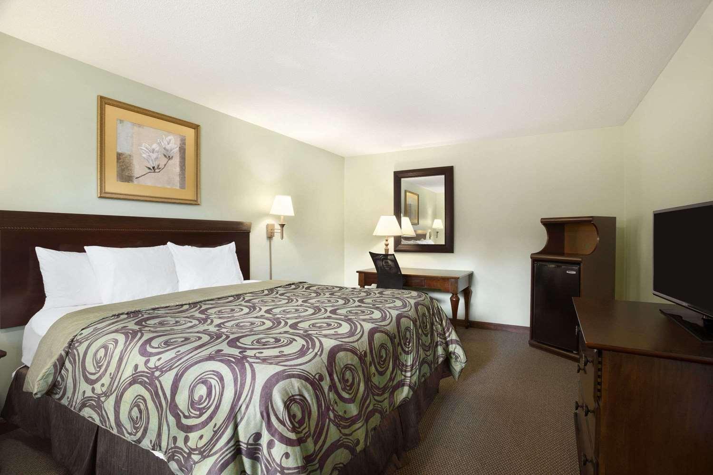 Room - Days Inn Great Barrington