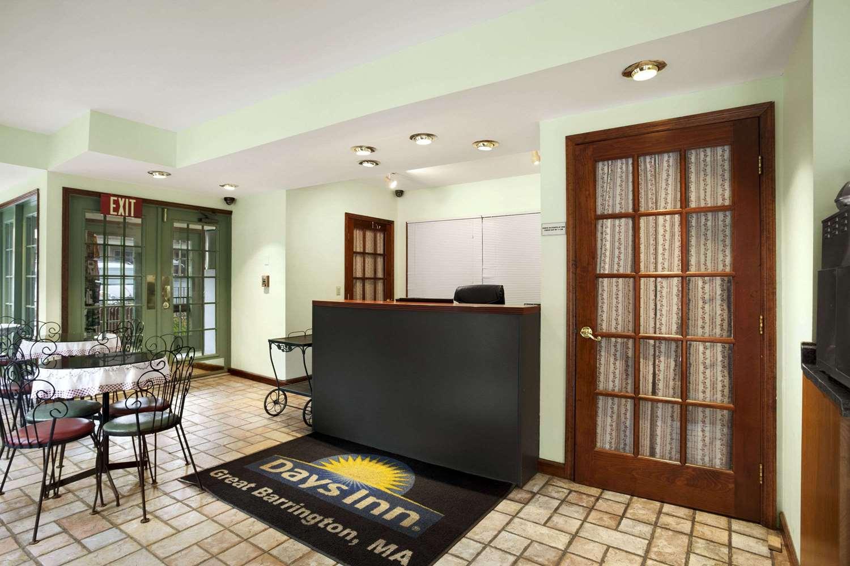 Lobby - Days Inn Great Barrington