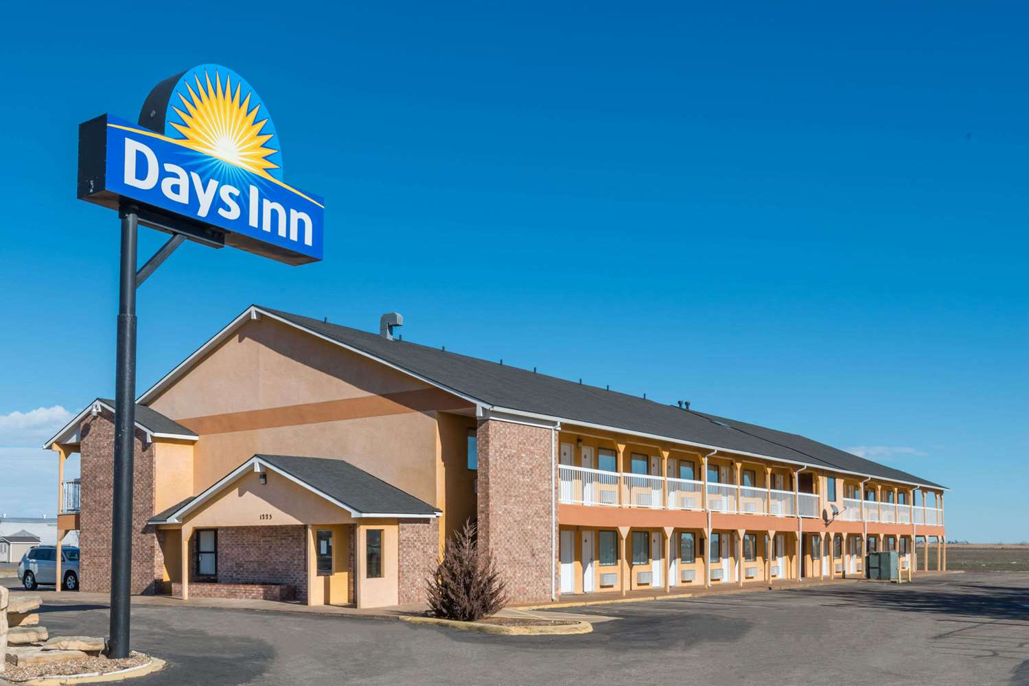 Exterior view - Days Inn Russell