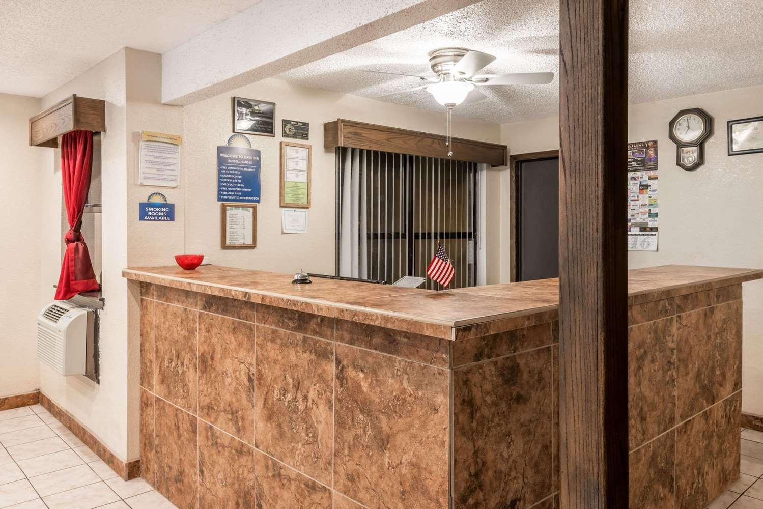Lobby - Days Inn Russell