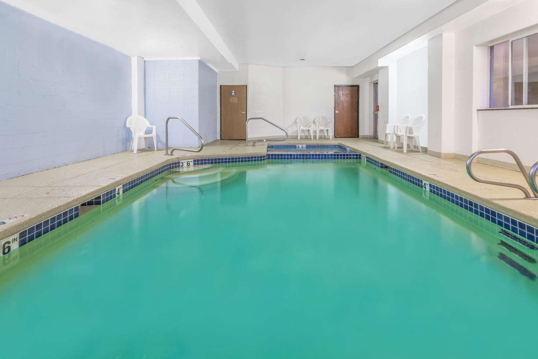 Pool - Days Inn Air Force Academy Colorado Springs