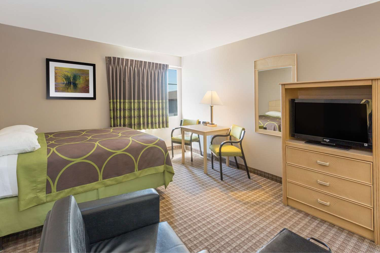 Suite - Super 8 Hotel Carroll