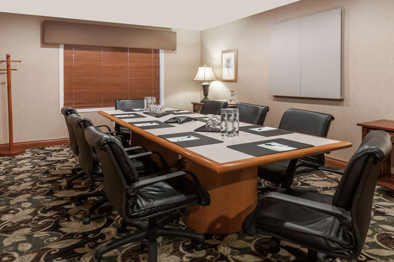 Meeting Facilities - Wingate by Wyndham Hotel West Edmonton