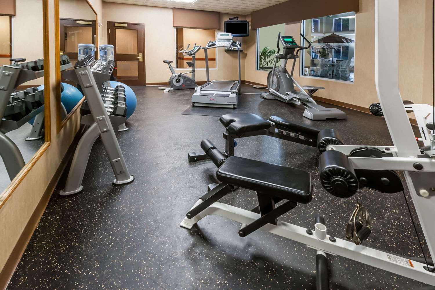 Fitness/ Exercise Room - Wingate by Wyndham Hotel West Edmonton
