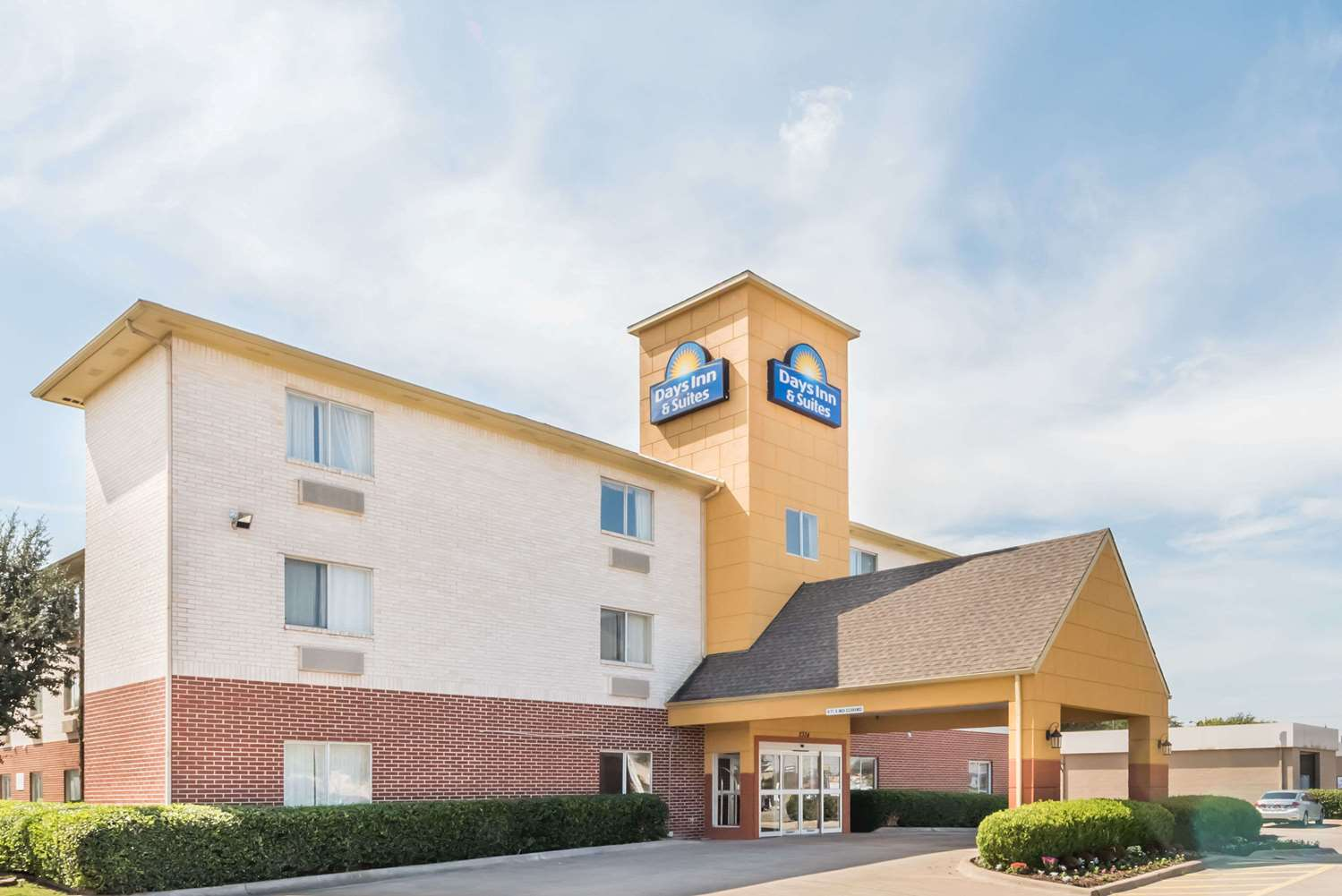 Exterior view - Days Inn & Suites Northwest Dallas