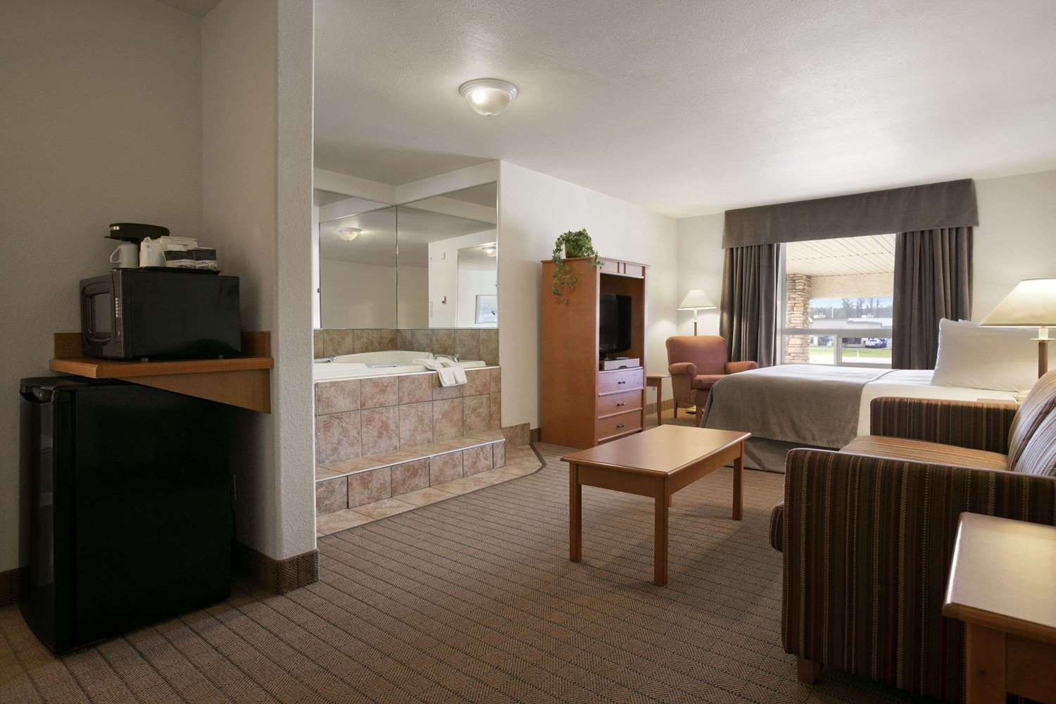 Room - Super 8 Hotel Slave Lake