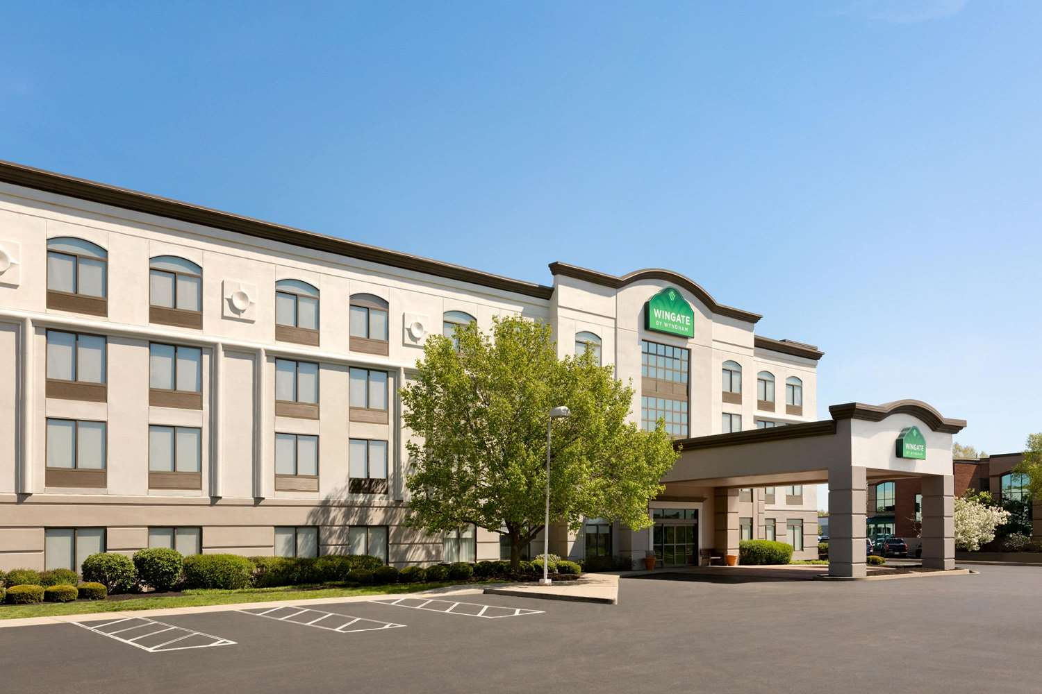 Exterior view - Wingate by Wyndham Hotel Blue Ash