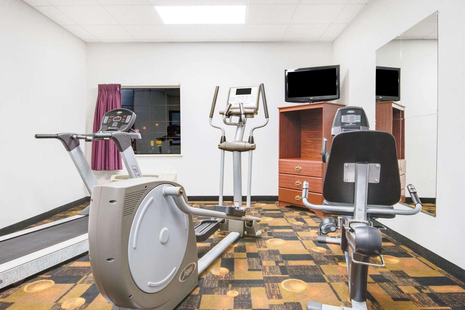 Fitness/ Exercise Room - Super 8 Hotel Monett
