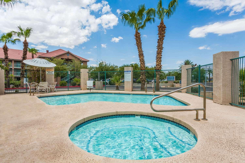 Pool - Travelodge West Phoenix