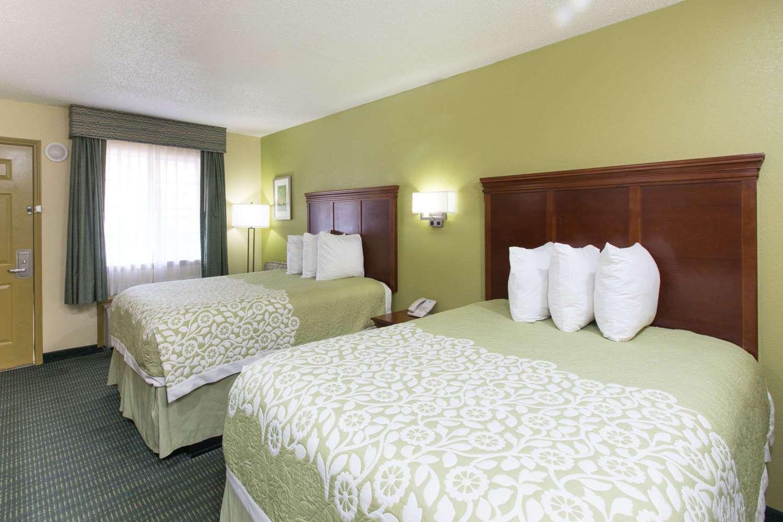 Room - Days Inn Big Spring
