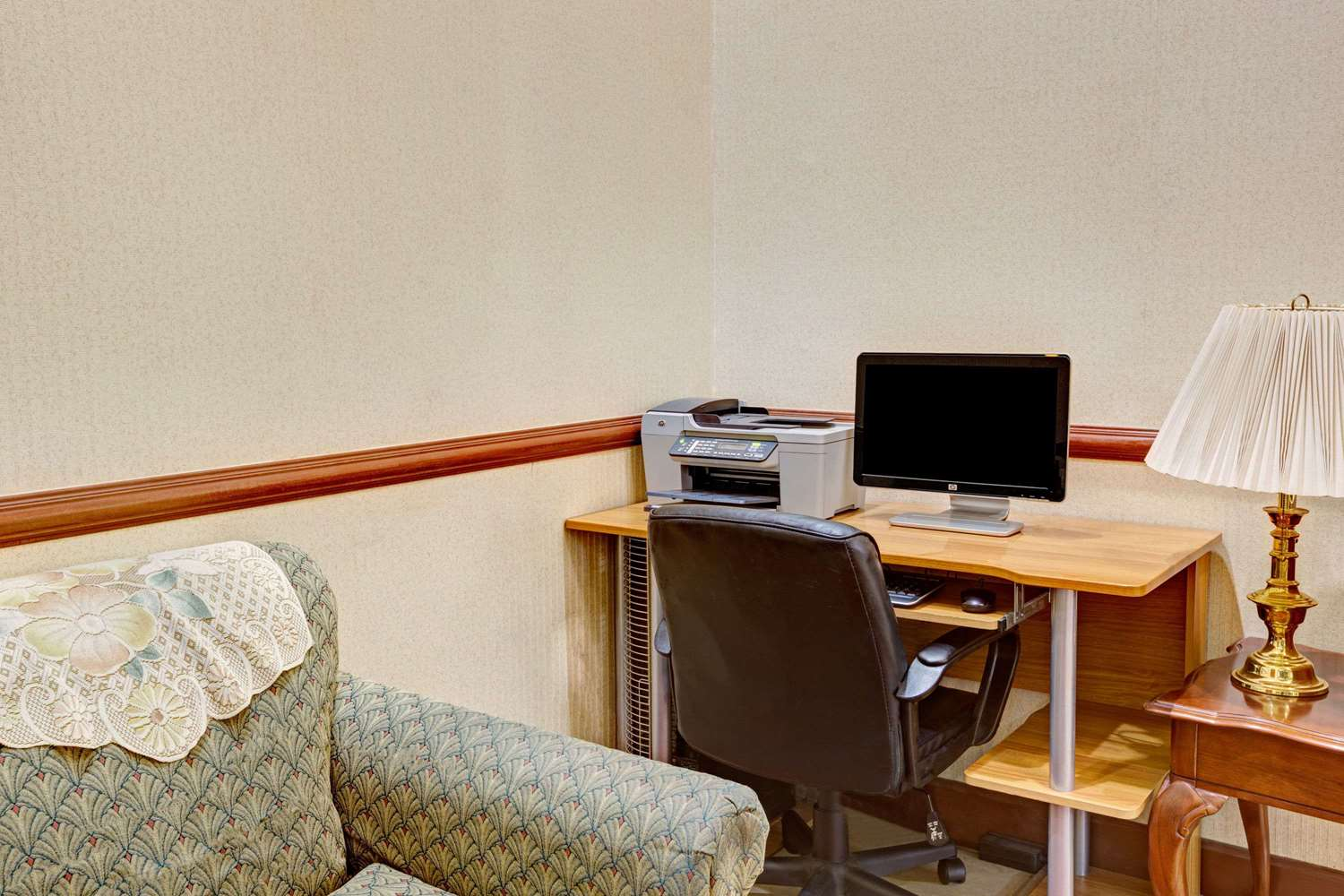 Conference Area - Days Inn Shively