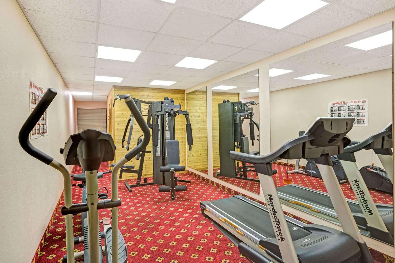 Fitness/ Exercise Room - Days Inn Shively