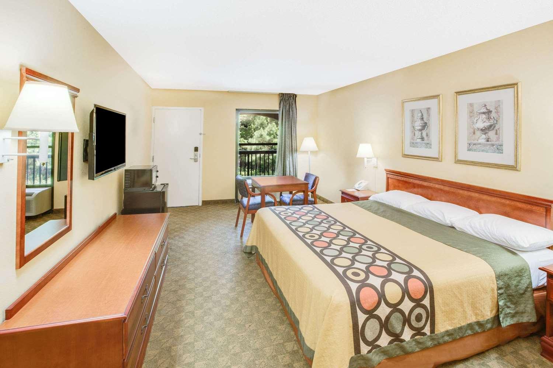 Room - Super 8 Hotel D'Iberville