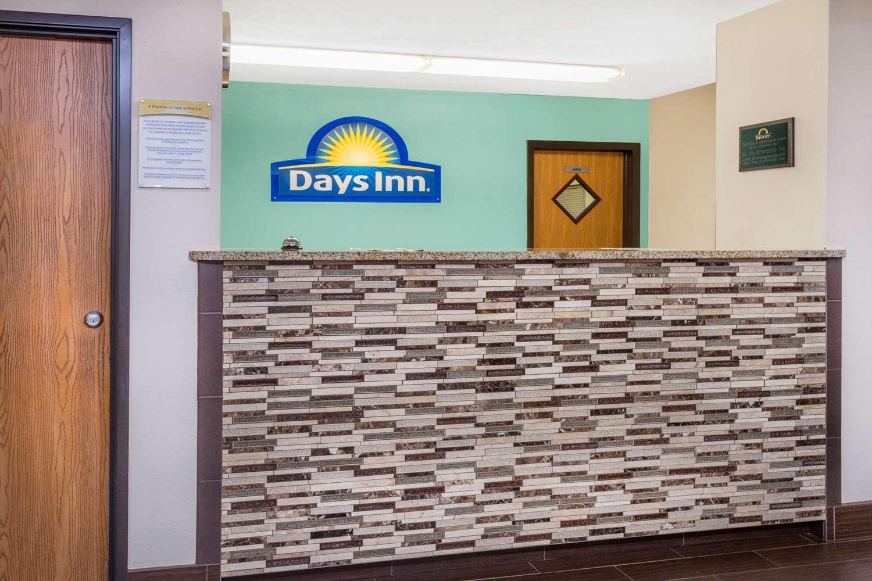 Lobby - Days Inn Charleston