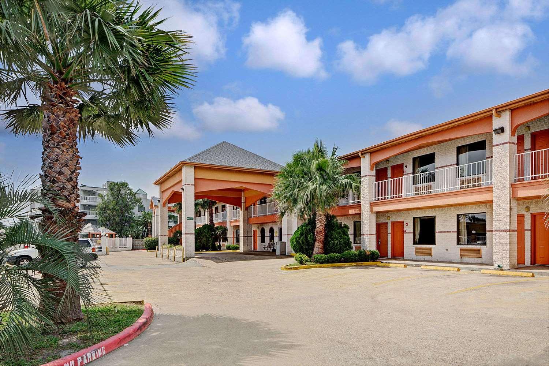 Exterior view - Super 8 Hotel Galveston