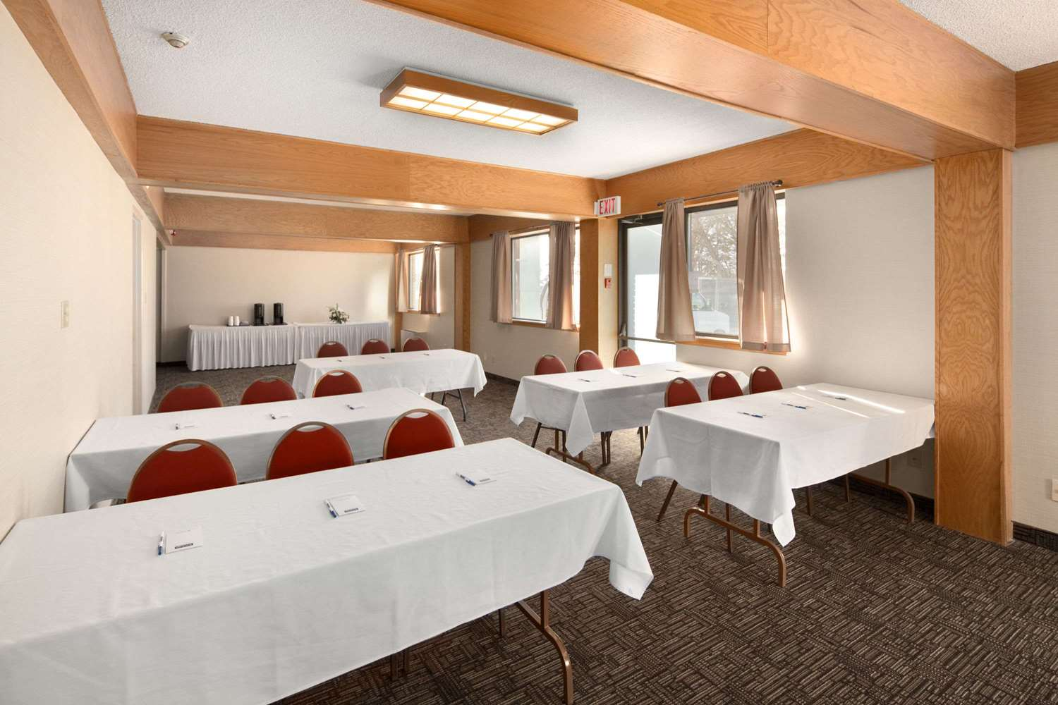 Meeting Facilities - Travelodge Thunder Bay
