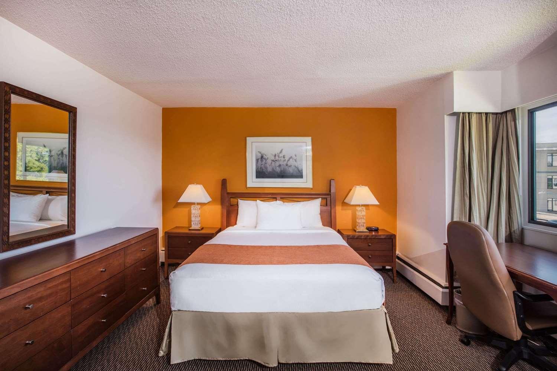 Room - Howard Johnson Hotel Victoria