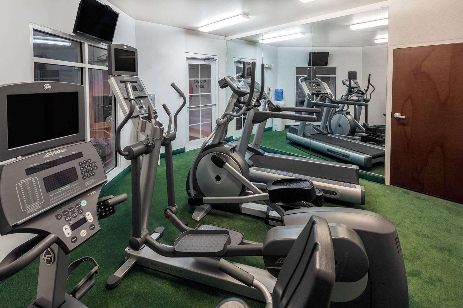 Fitness/ Exercise Room - Ramada Limited Hotel Little Rock
