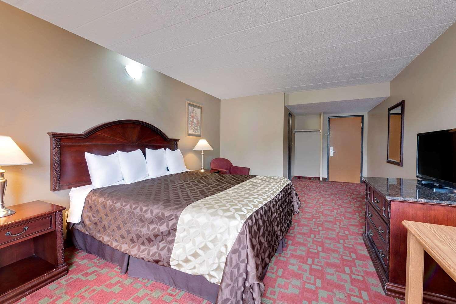 Room - Travelodge Grand Forks