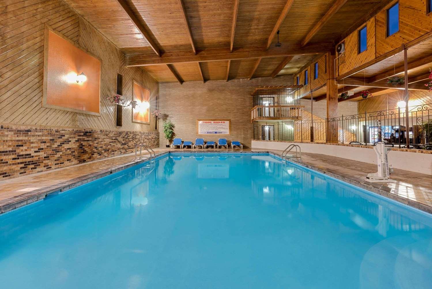 Pool - Travelodge Grand Forks