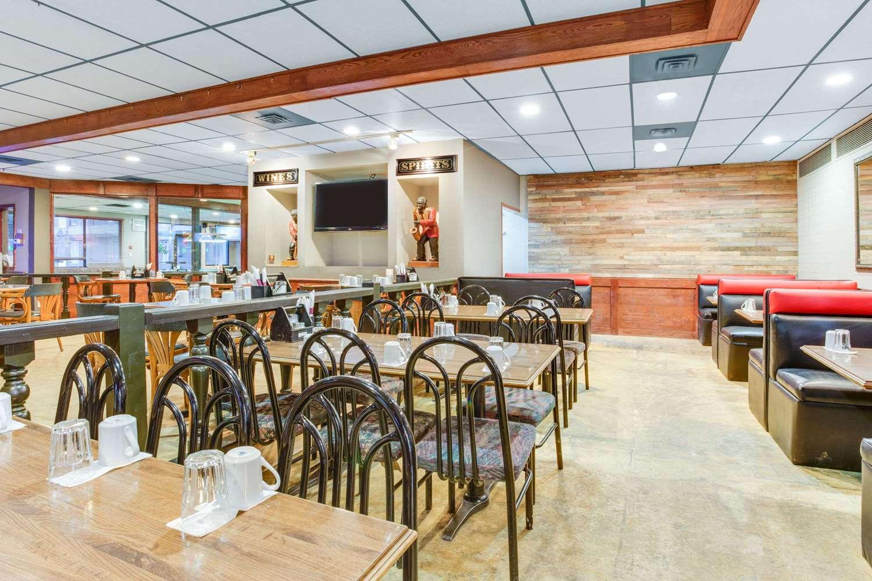 Restaurant - Howard Johnson Inn Enderby