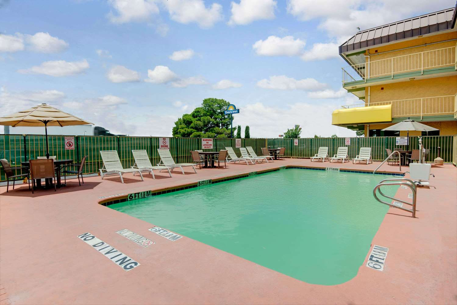 Pool - Days Inn East El Paso