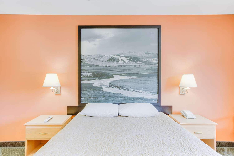 Super 8 Hotel Cooke City Mt See Discounts