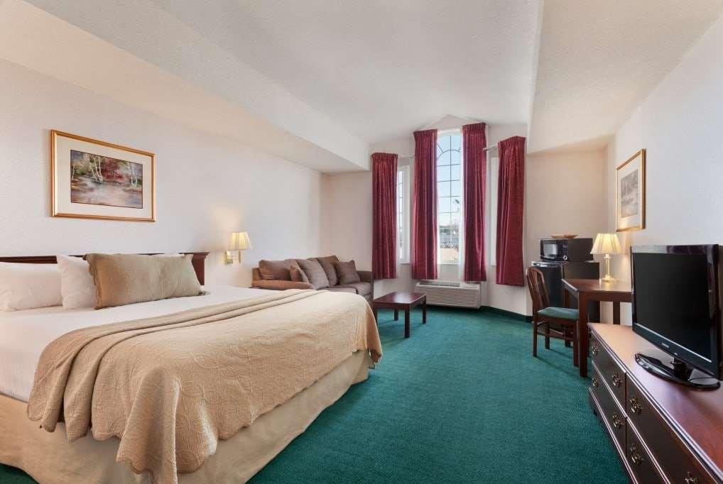 Room - Days Inn Carrollton