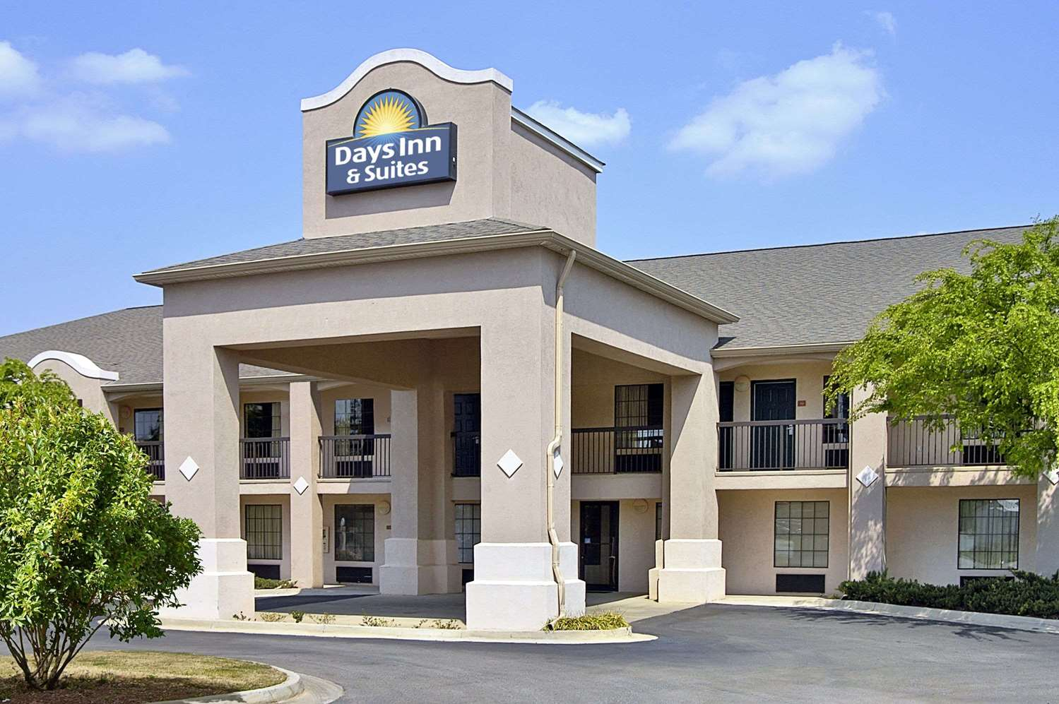 Exterior view - Days Inn & Suites Fort Valley