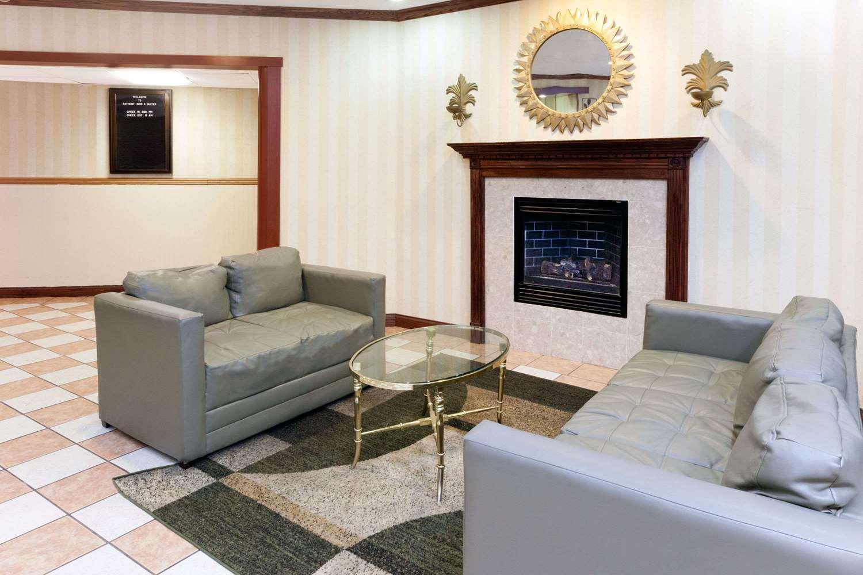 Lobby - Baymont Inn & Suites Calumet City