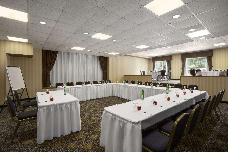 Meeting Facilities - Ramada Plaza Hotel Downtown Toronto