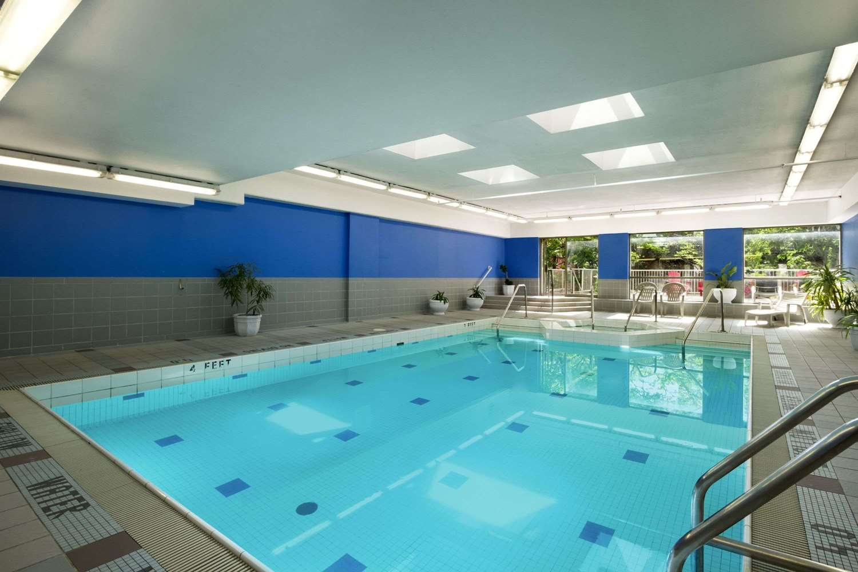 Pool - Ramada Plaza Hotel Downtown Toronto
