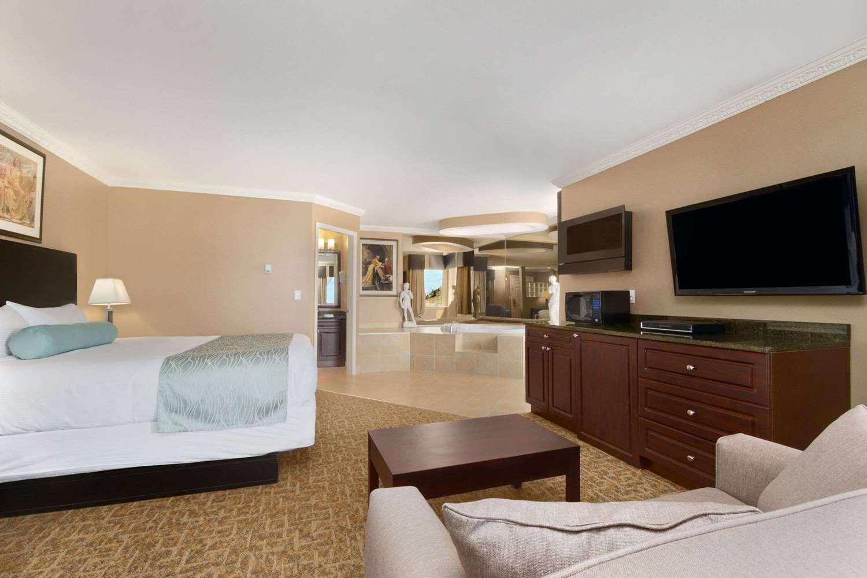 Suite - Travelodge Mountview Motel Kamloops