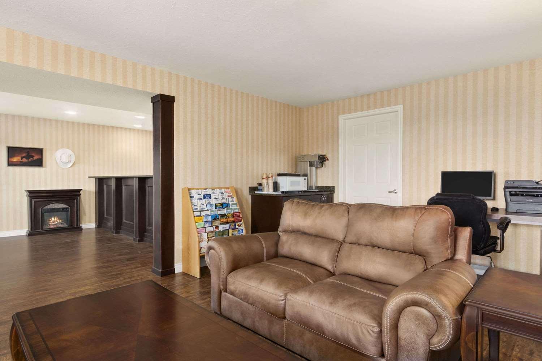 Lobby - Travelodge Mountview Motel Kamloops