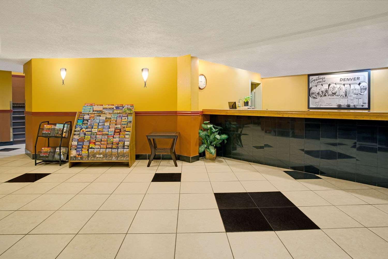Lobby - Super 8 Hotel Denver