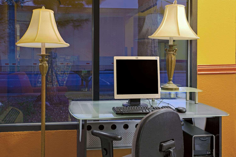 Conference Area - Super 8 Hotel Denver